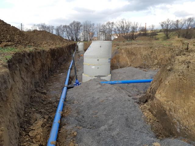 Výstavba prípojok vodovodu a kanalizácie v I. a II. Etape