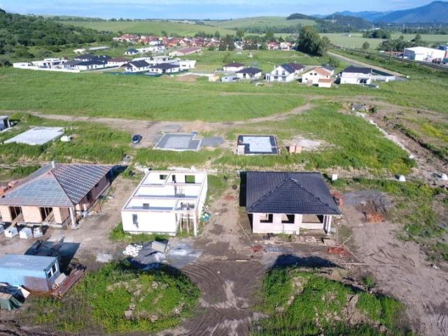 Rozostavané rodinné domy v I. a II. Etape v mesiaci Jún