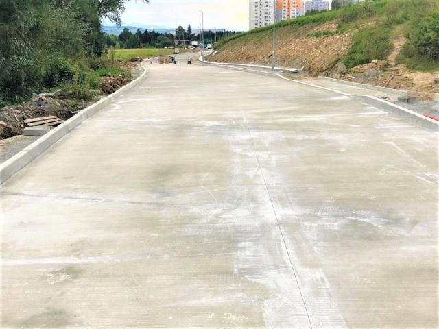 Výstavba cesty- napojenie od Podbrezín